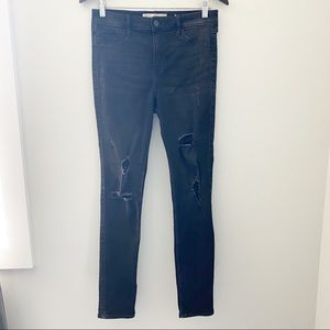 Hollister Distressed High Rise Black Jeans - 29